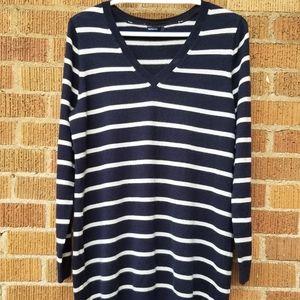 Gap XL Navy and White Striped V-Neck Sweater